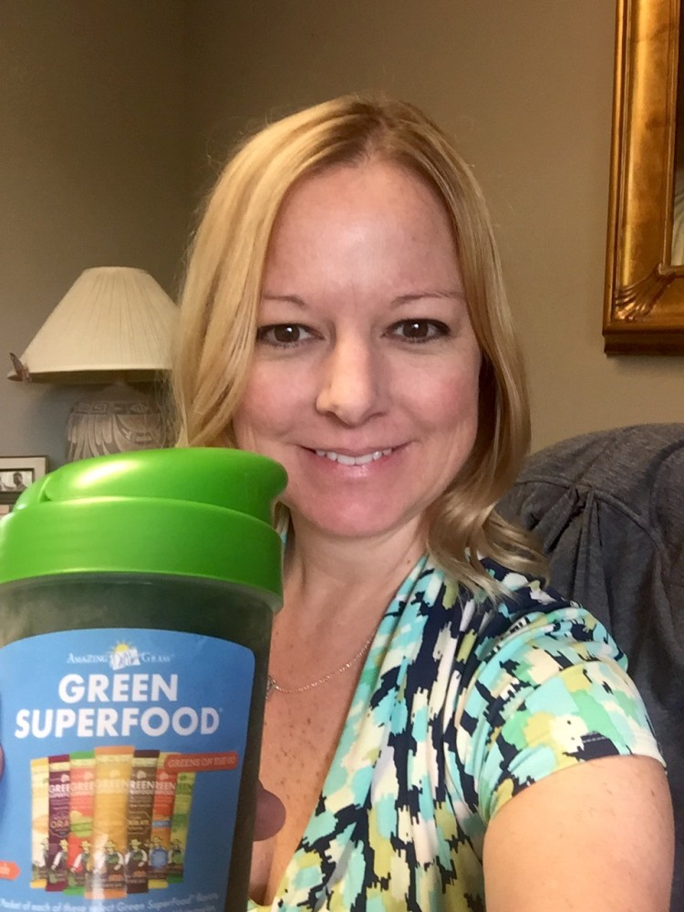 Get Your SuperFoods The Easy Way #MomsMeet #AmazingGrass