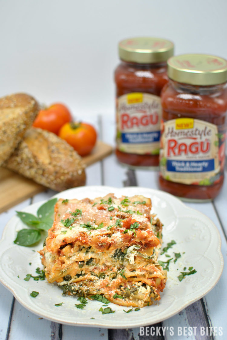 Easy Slow Cooker Lasagna with Veggies is healthy, family, dinner recipe that is simmered in tradition using RAGÚ's Homestyle sauce made with fresh ingredients for a thick, hearty texture that hugs every noodle. #SimmeredInTradition #Ragu #Homestyle #ad | beckysbestbites.com