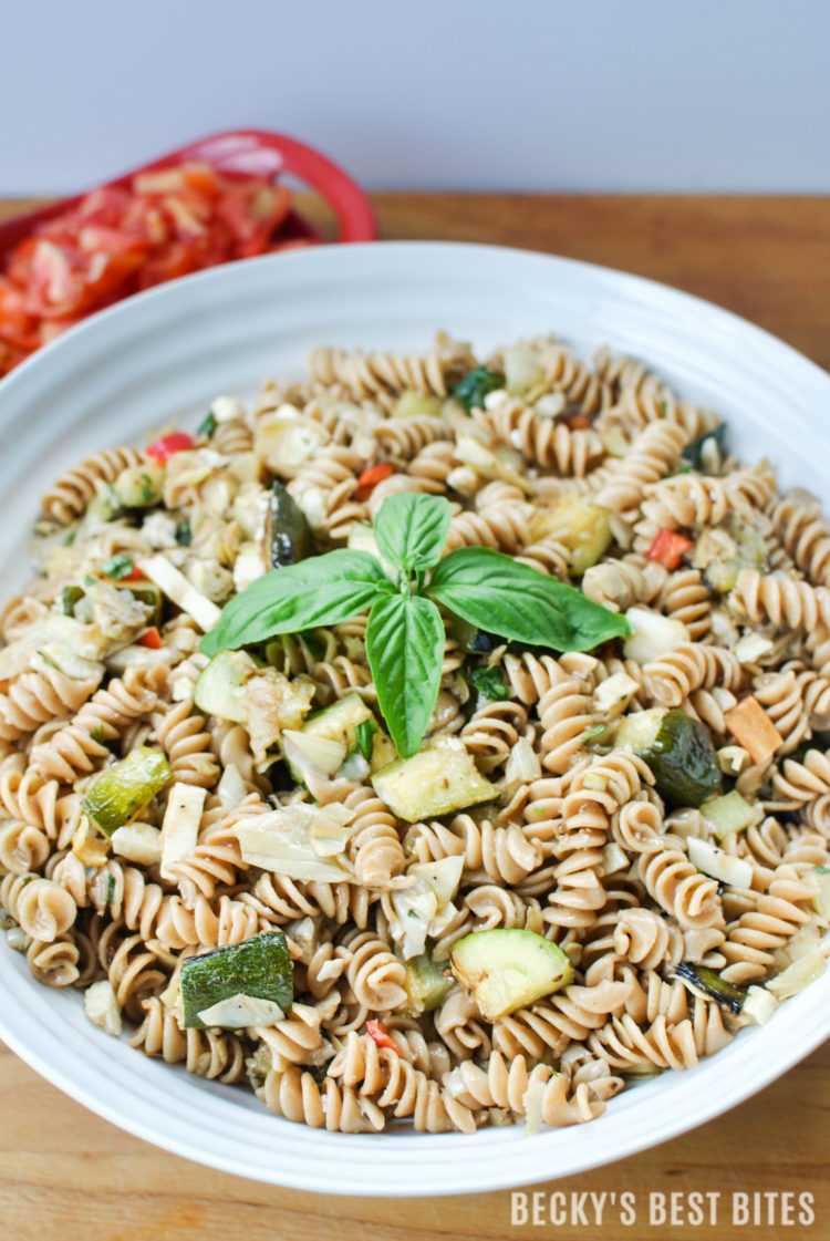 Mediterranean Pasta Salad with Summer Fresh Vegetables | beckysbestbites.com