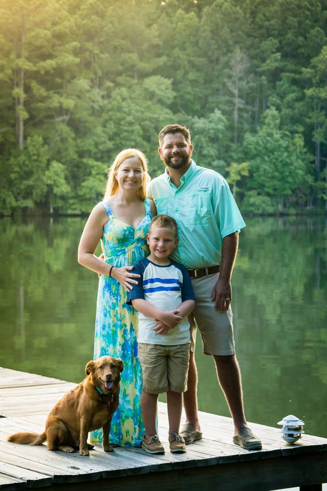 Family Portrait Optimizing and Pet Health with Natural Balance® Pet Food. They do 9 safety tests on every batch of food and treats! That's is just one of the reasons that I believe in Natural Balance. #ad #sk #WeBelieveinNB | beckysbestbites.com